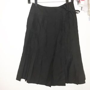 Club Monaco black silk skirt pleated Gorgeous! 0